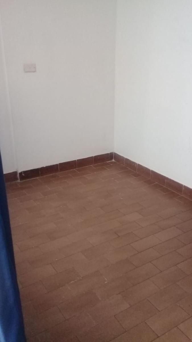 habitación con baño incorporado