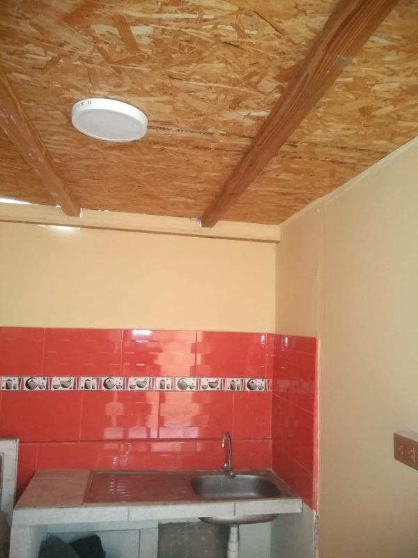 habitación con baño independiente.