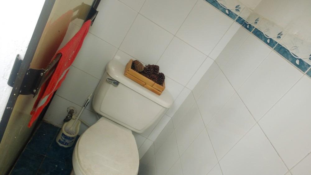 habitación con baño privado para chica