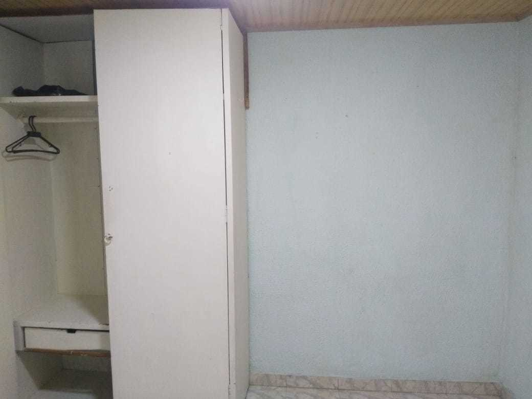 habitacion con closet, en suba