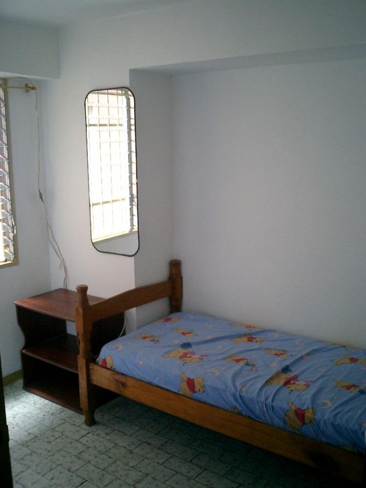 habitacion grande santa monica cerca ucv