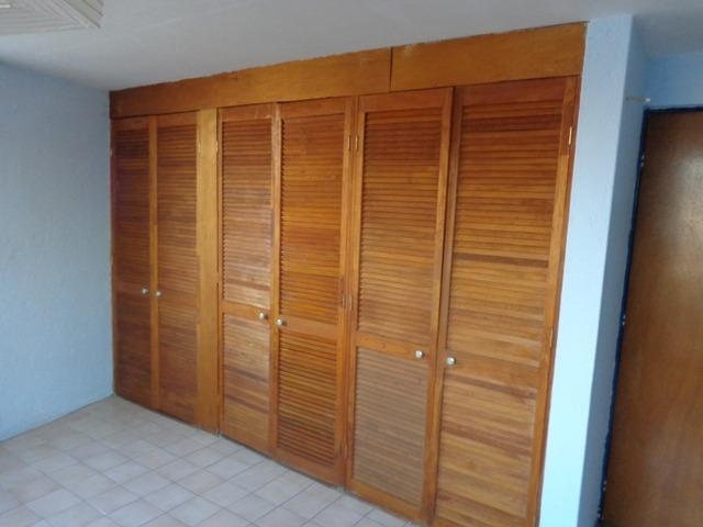 habitación independiente con baño y cocineta en la recta