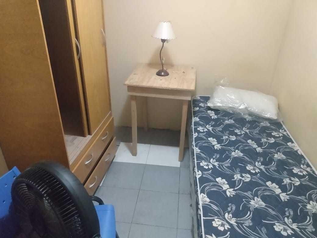 habitacion individual con baño y cocina compart sin deposito