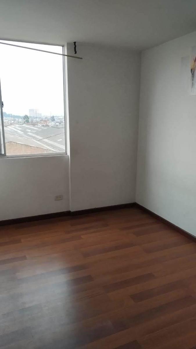 habitacion para mujer sola en el barrio madelena