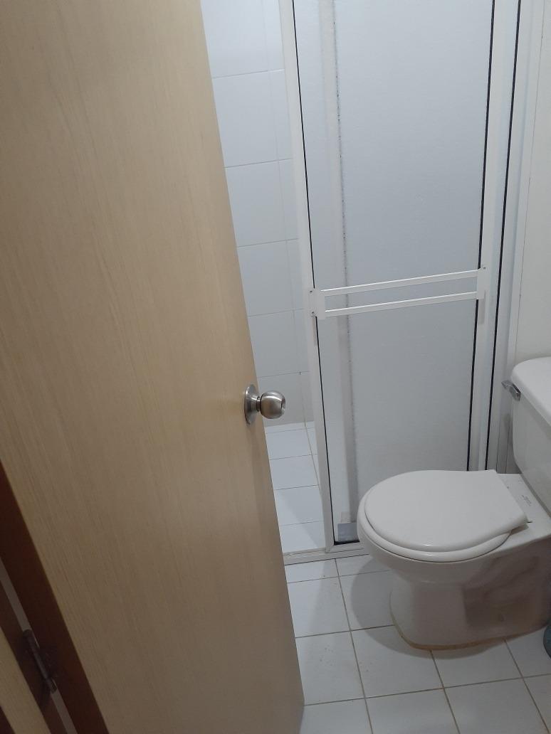 habitacion para pareja con baño compartido