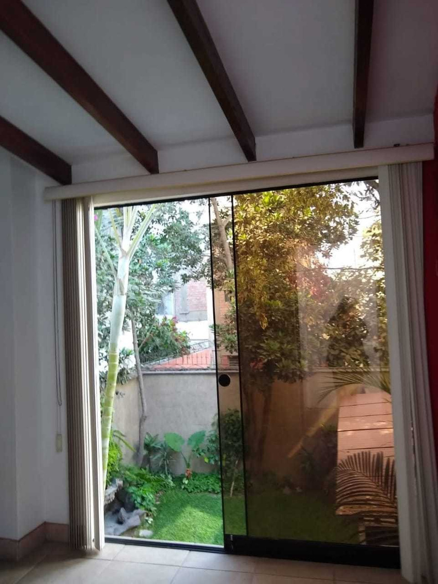 habitación semi amoblada vista a jardín