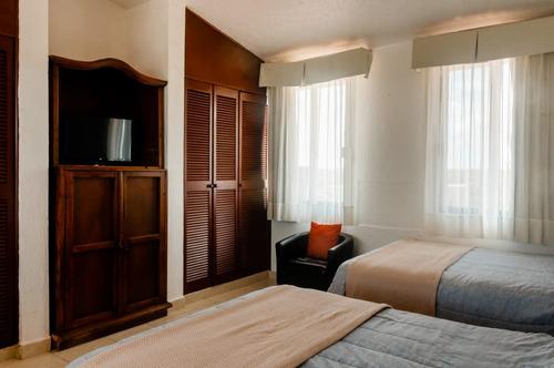 habitación tipo loft frente al mar en cancún