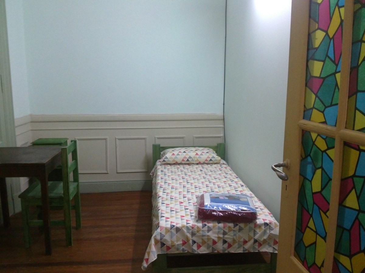 habitaciónes en alquiler p/jovenes en junin al 300