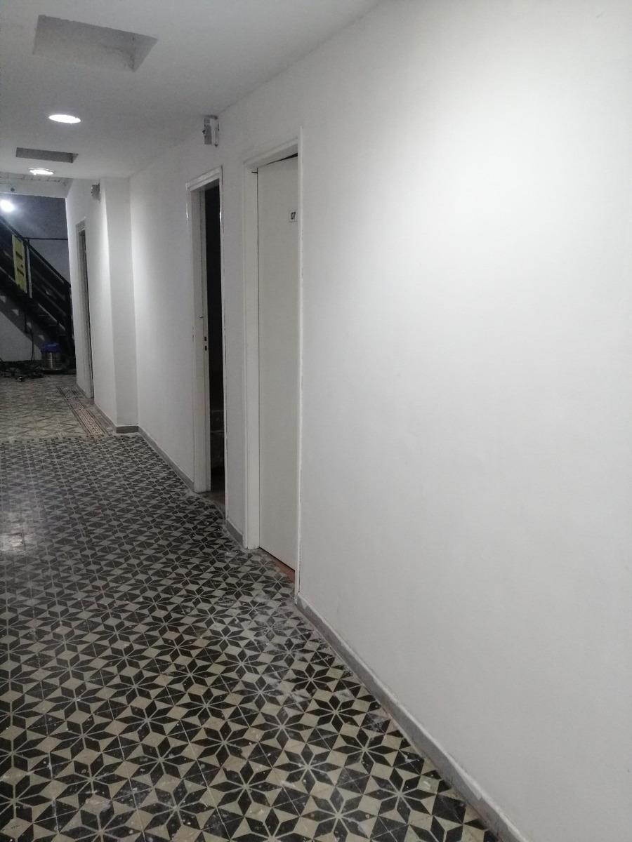 habitaciones privadas con baño y gastos incluidos.