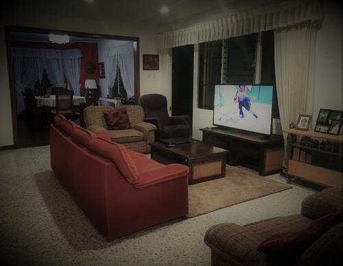 habitaciones privadas/compartidas equipadas en casa kitus