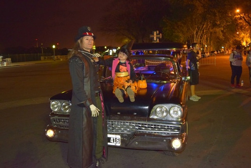 haloween alquiler de auto coche fúnebre antiguo caroza