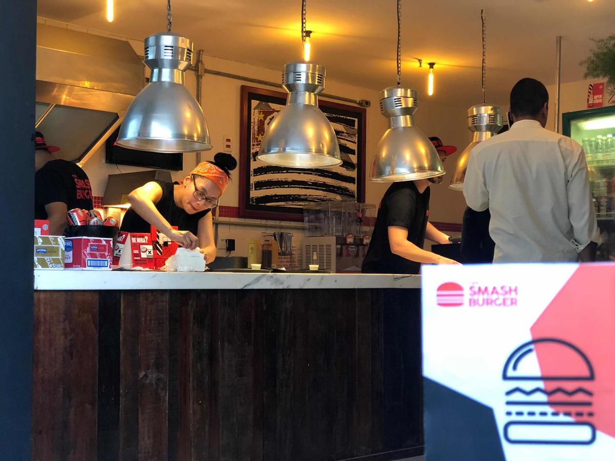 hamburgueria nova e completa a venda