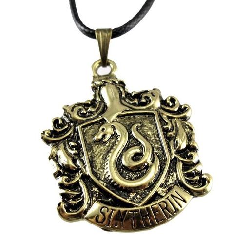 harry potter, collar insignia de la casa slytherin