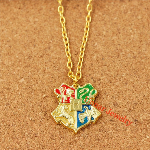 harry potter, collar insignia escuela hogwarts