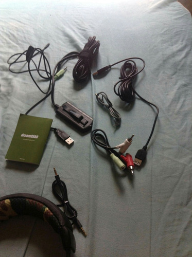 headset nuevos, nomas los use 2 dias, sin ningun detalle