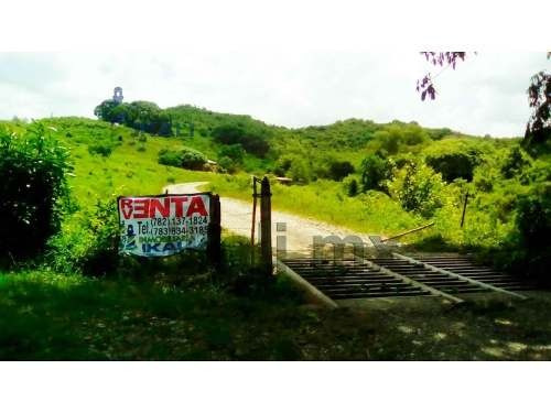 hectáreas venta poza rica veracruz es un terreno de 7 hectáreas, ubicadas en el libramiento poza rica, cuenta con 200 m. de frente por 350 m. de fondo, los servicios públicos se encuentra a 500 m. de