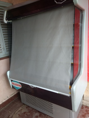 heladera exhibidora con cortina