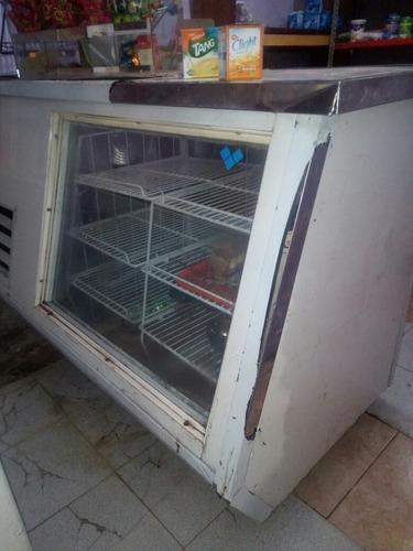 heladera mostrador un año y medio de uso comprobable