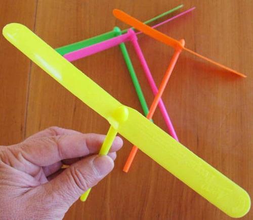 hélice voladora helicóptero tiki taka souvenir infantil