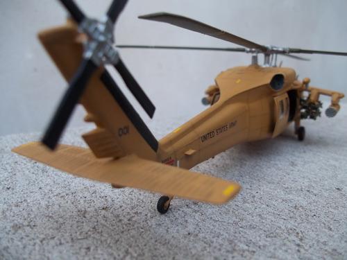helicoptero uh60a dessert hawk 1/72 italeri armado y pintado
