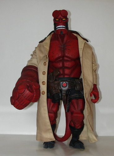 hellboy - mezco 45 centimetros - raro