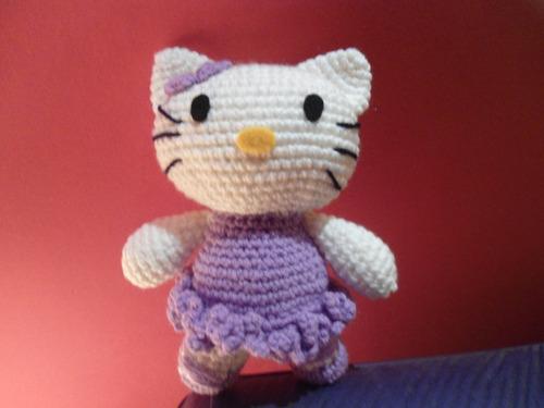 hello kitty -amigurumis