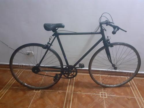 hermosa bicicleta rutera novata