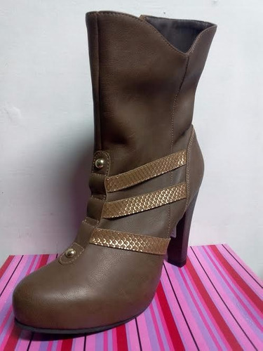 hermosa bota cafe talla 38 calzado dama