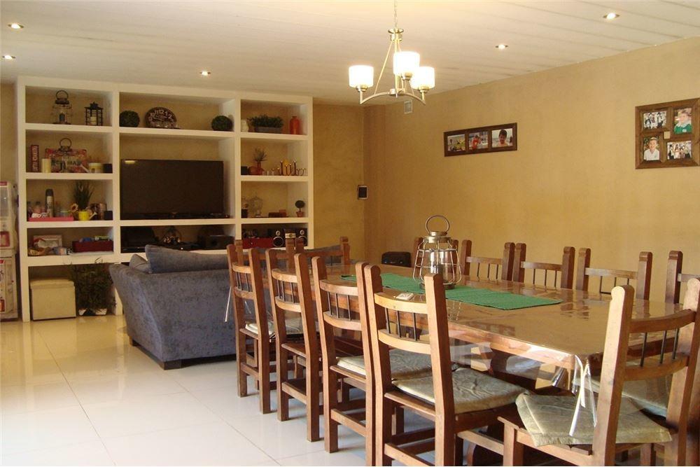 hermosa casa 3 amb reciclada jardín pileta 2 coch