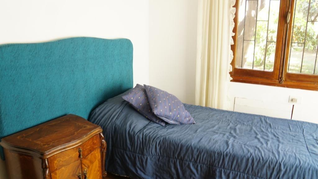 hermosa casa 3 dorm,jardín,parrilla,horno de barro,calef, aa