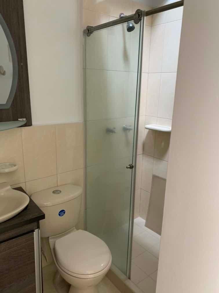 hermosa casa 3 habitaciones 3 baños todas con closet