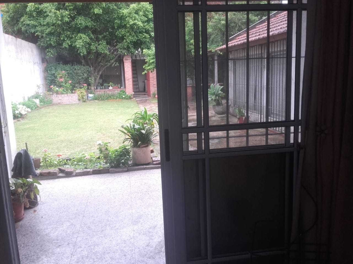 hermosa casa 4 amb. sarandi, avellaneda