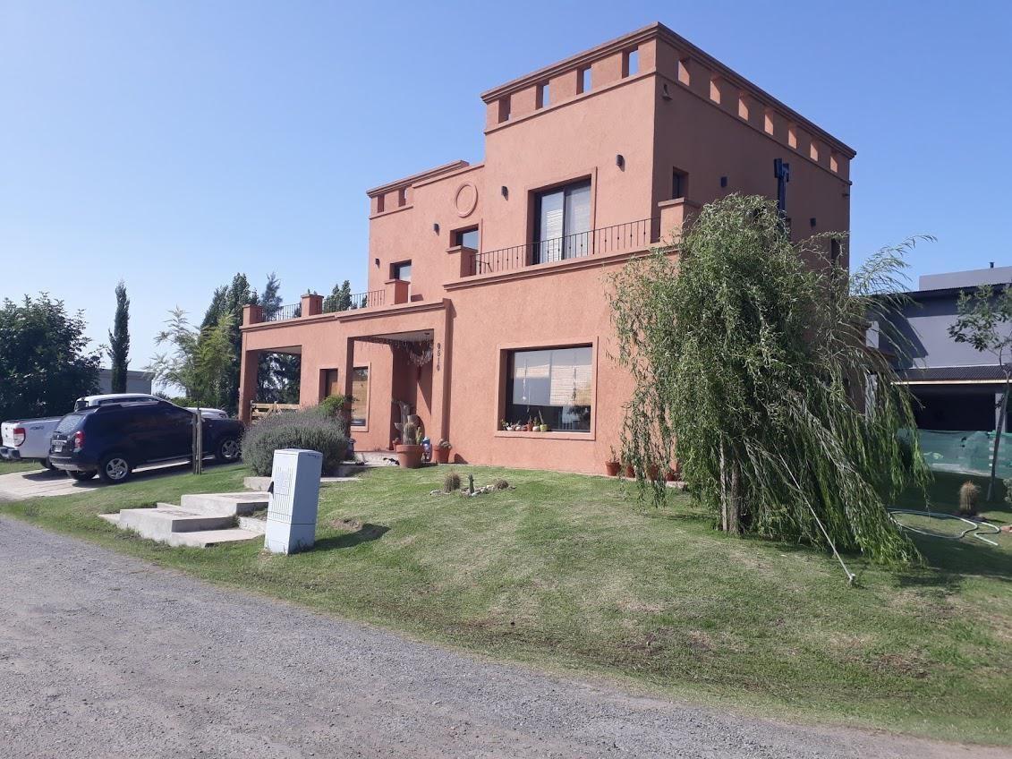 hermosa casa 5 amb con piscina barrio santa rita - san vicente