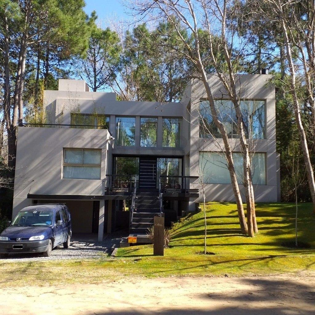 hermosa casa 5 ambientes en cariló