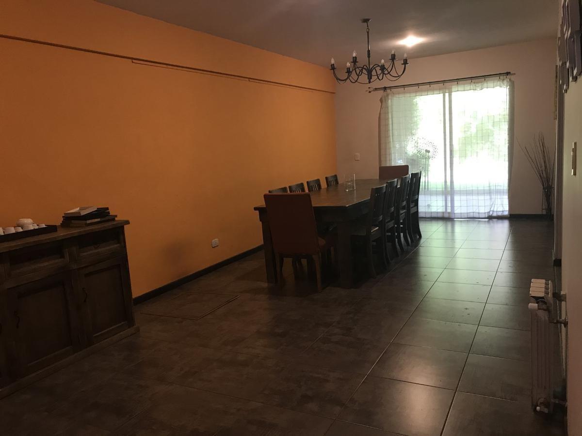hermosa casa- 5 ambientes, gran jardin y parrilla,  villa urquiza!!!!!!!