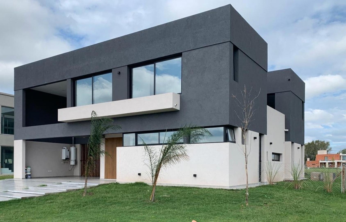 hermosa casa a estrenar de 5 amb.canning- barrio terralagos
