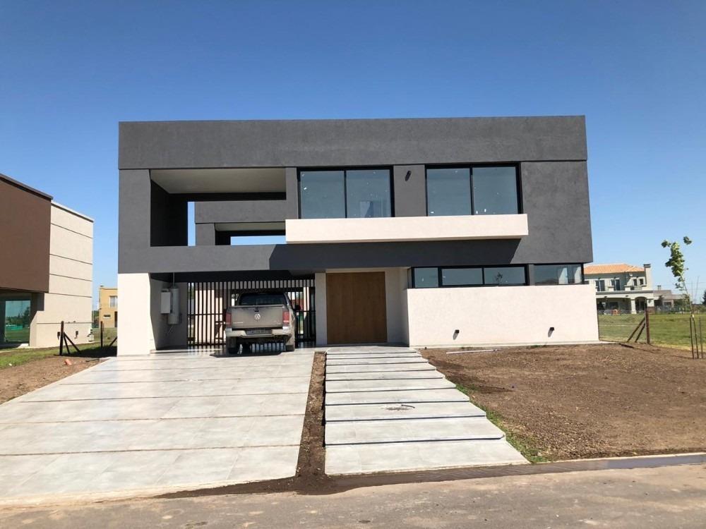 hermosa casa a estrenar en venta en el country terralagos