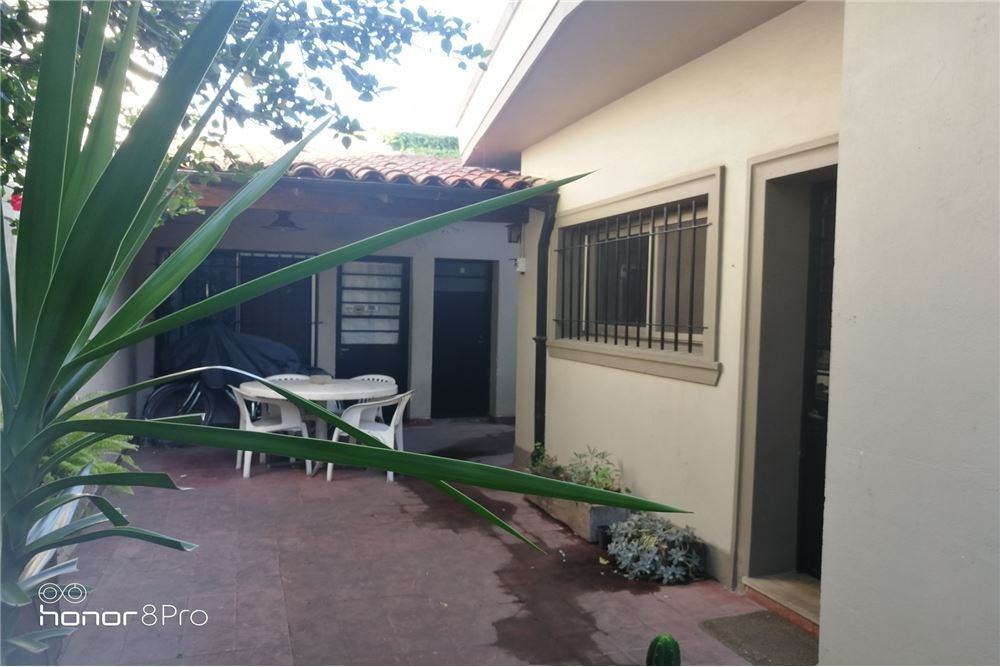 hermosa casa acassuso 4 amb + dep. cochera, jardín