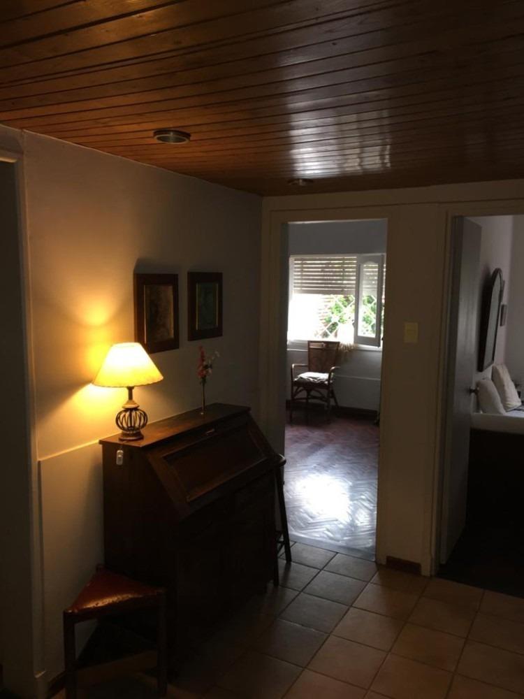 hermosa casa + barbacoa tipo apto. ideal dos familias.