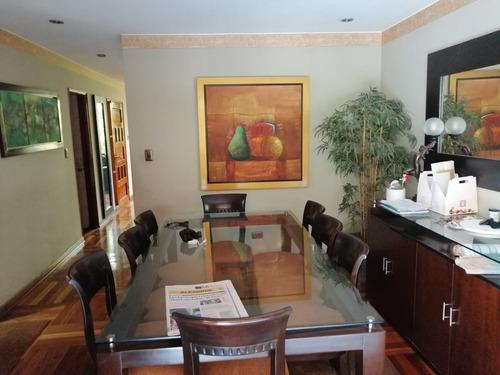 hermosa casa, calle varsovia 371-urb. los sauces  surquillo