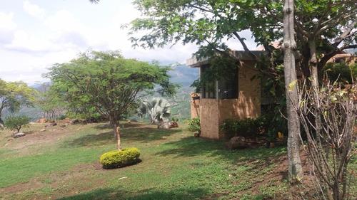 hermosa casa campestre en zona exclusiva residencial