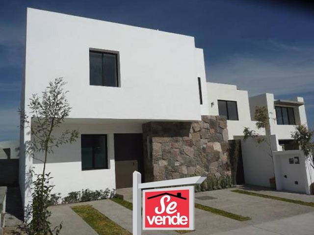 hermosa casa, cañadas del lago, 3 recámaras, estudio, sala tv, 2.5 baños, jardín