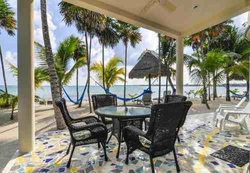 hermosa casa caribeña en la bahía de tankah
