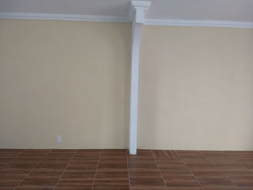 hermosa casa como nueva, remodelada, lista para habitar!