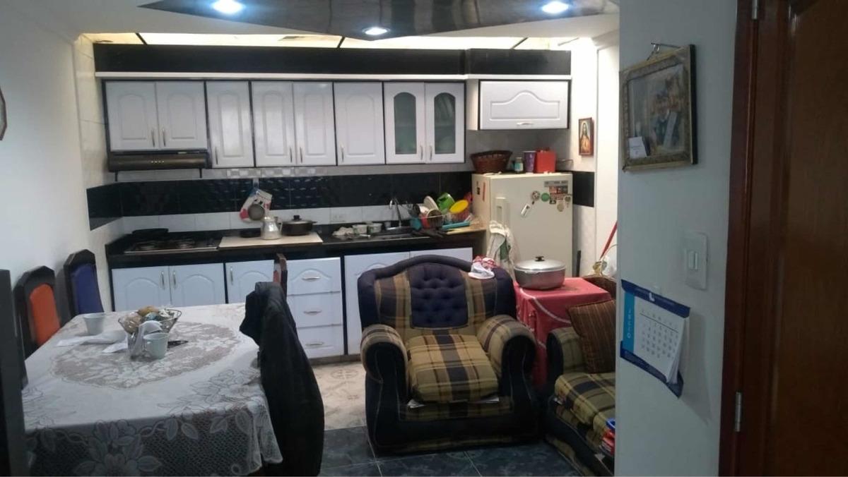 hermosa casa con 3 habitaciones y 3 baños con cocina integra