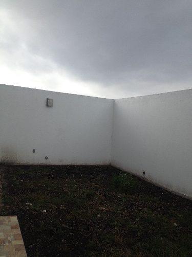 hermosa casa con acabados de lujo en venta en lomas de juriquilla qro. mex.