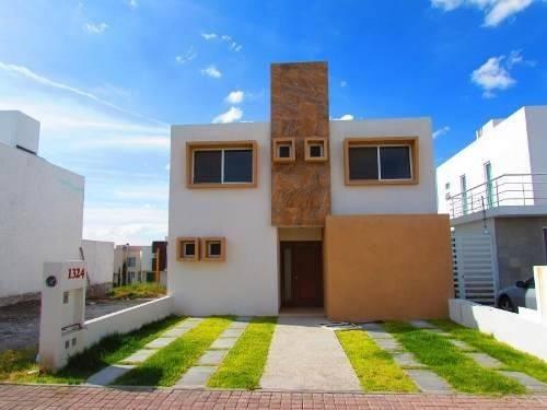 hermosa casa con  doble altura doble alturarecámaras: 3 baño