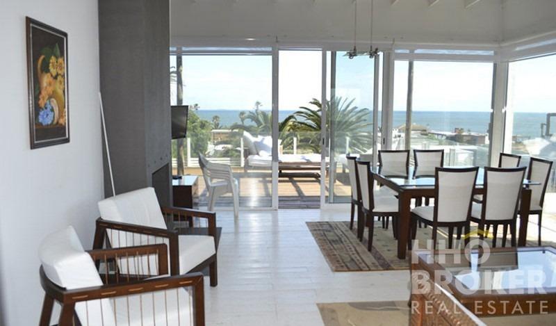 hermosa casa con la mejor vista de la barra - punta del este- ref: 2096