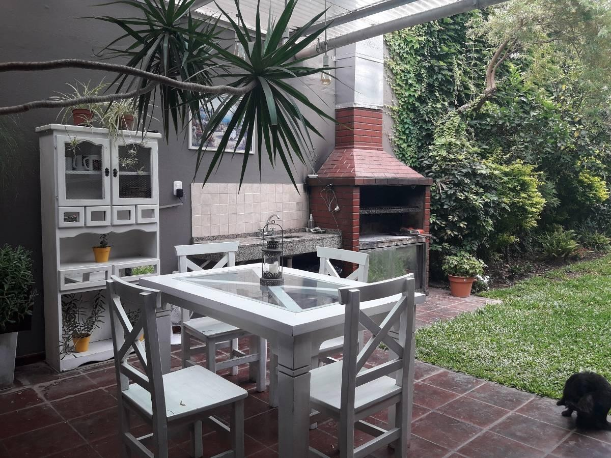 hermosa casa con pileta 4 dorm patio cochera