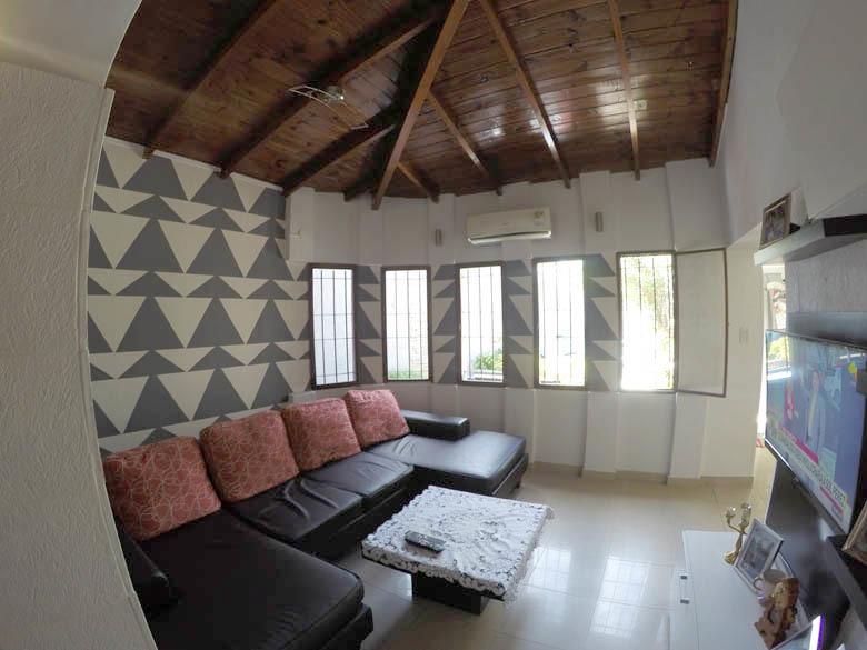 hermosa casa con pileta climatizada